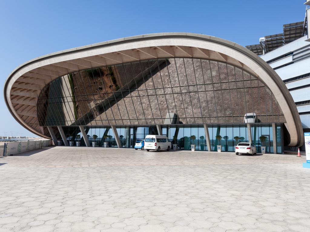 Der Eingang zur Masdar City