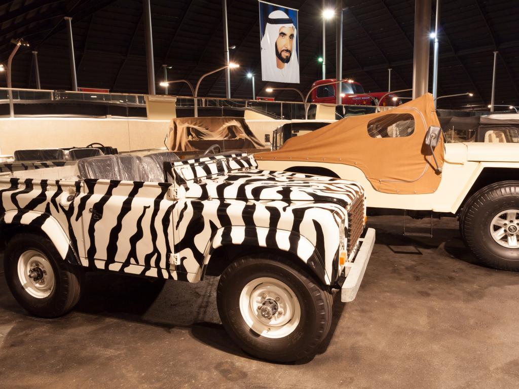 Geländewagen im Emirates National Auto Museum