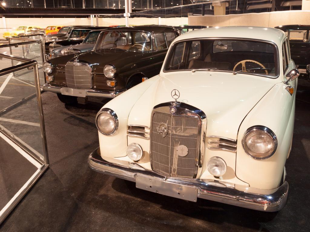Oldtimer im Emirates National Auto Museum