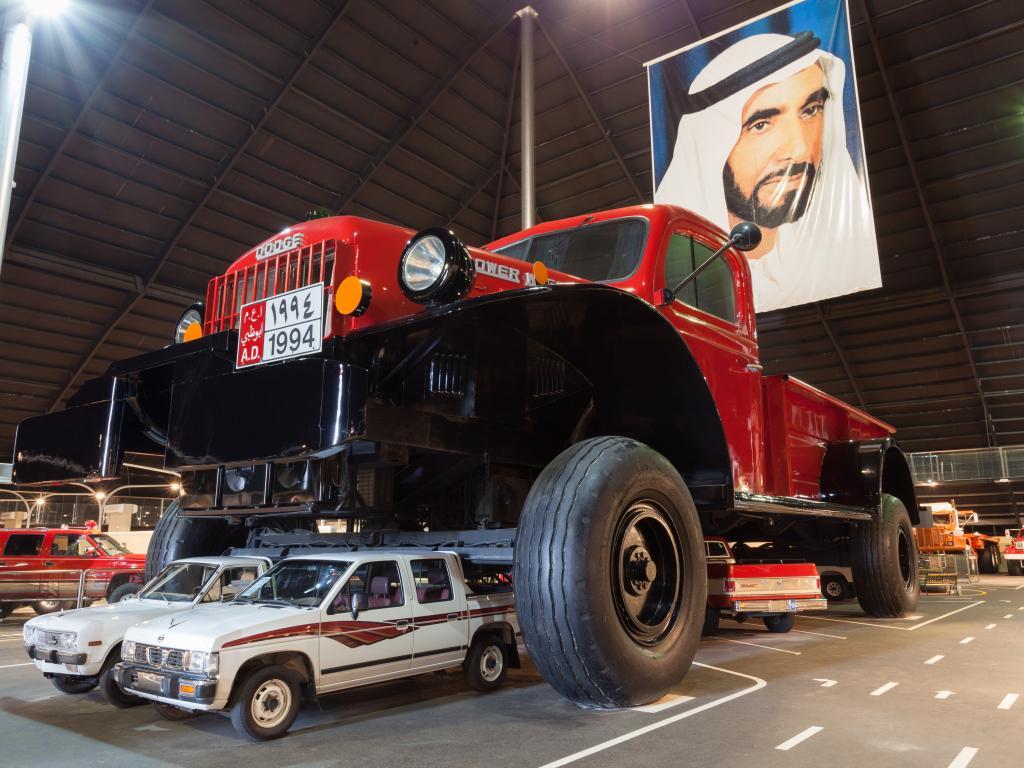 Ein Truck im Emirates National Auto Museum