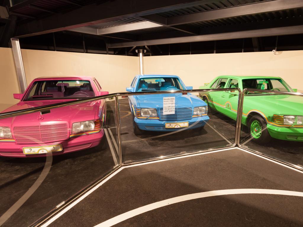 Mercedes in verschiedenen Farben