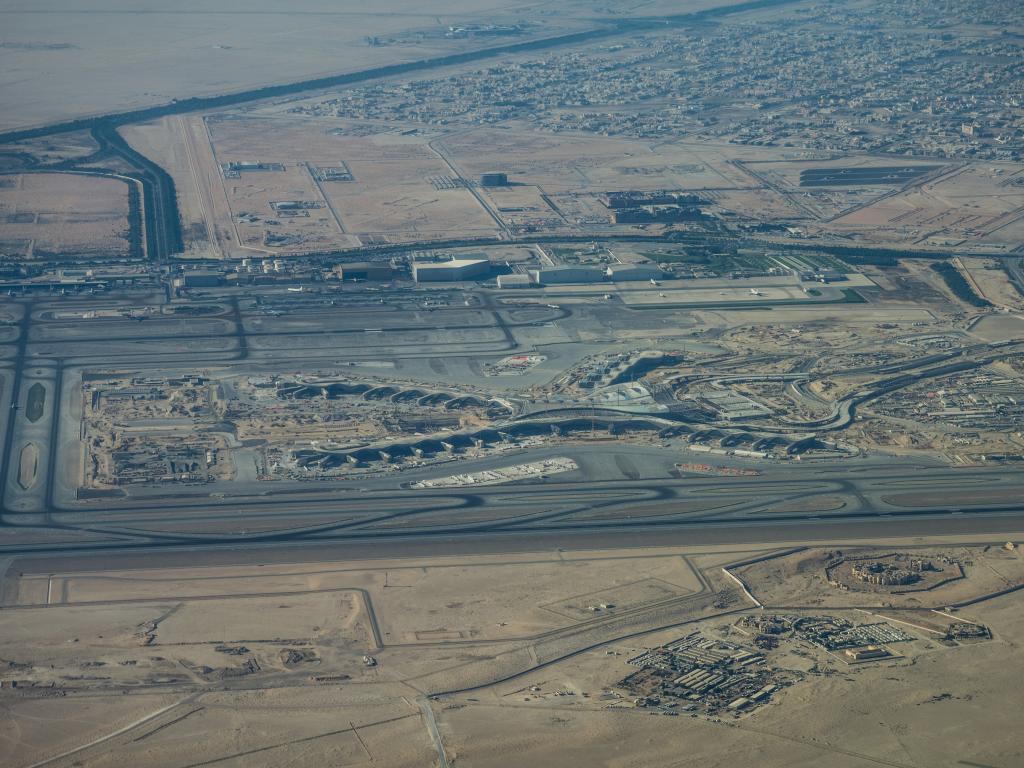 Vogelperspektive vom Flughafen Abu Dhabi