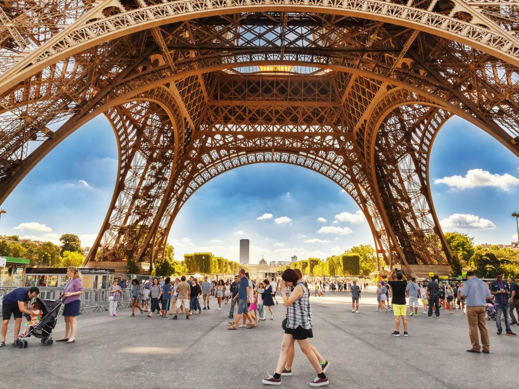 Besucher vom Eiffelturm