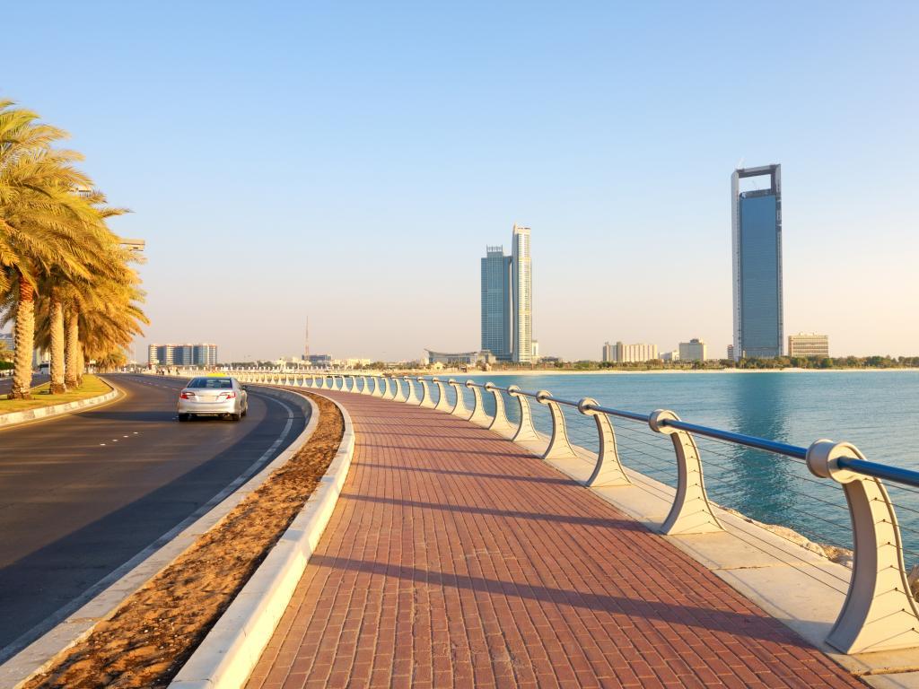 Corniche und Skyline
