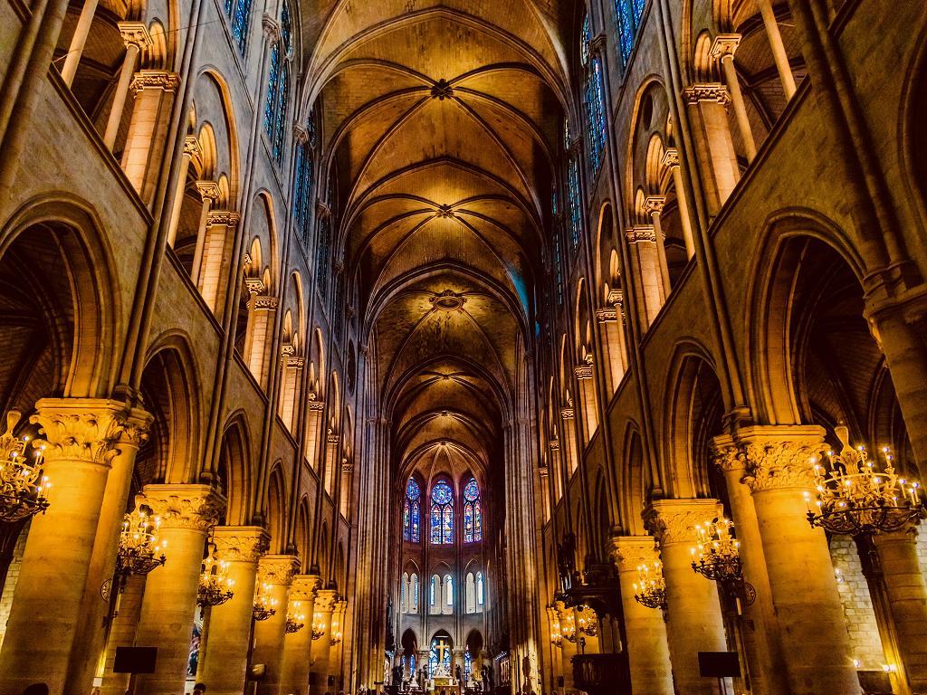 Der Innenraum von der Kirche