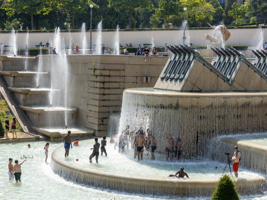 Einwohner von Paris im Sommer