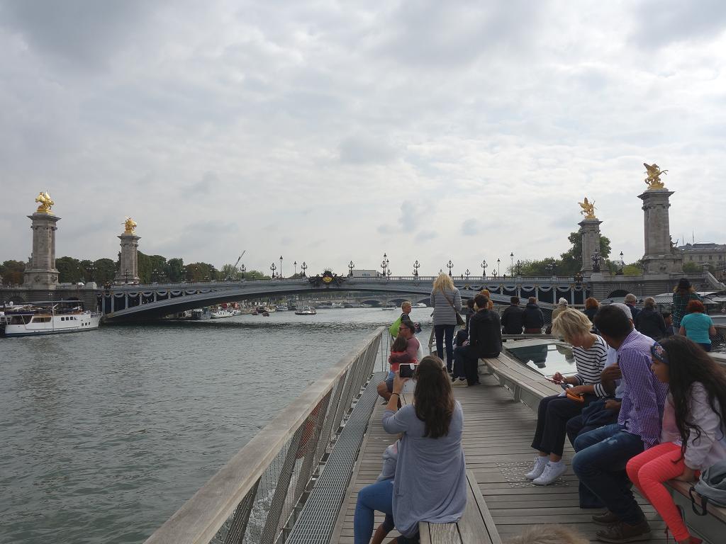 Les Bateaux Parisiens