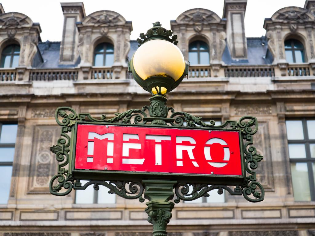 Metro Paris Schild