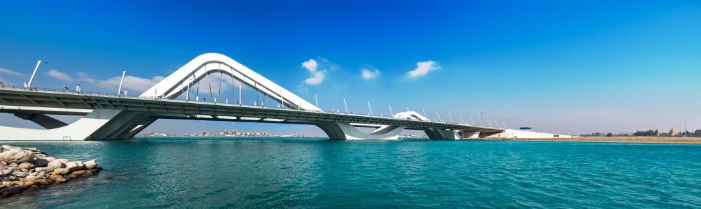 Schönes Panorama von der Brücke