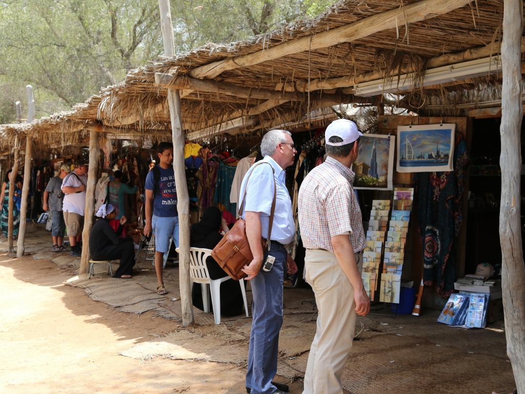 Souvenirs kaufen im Heritage Village