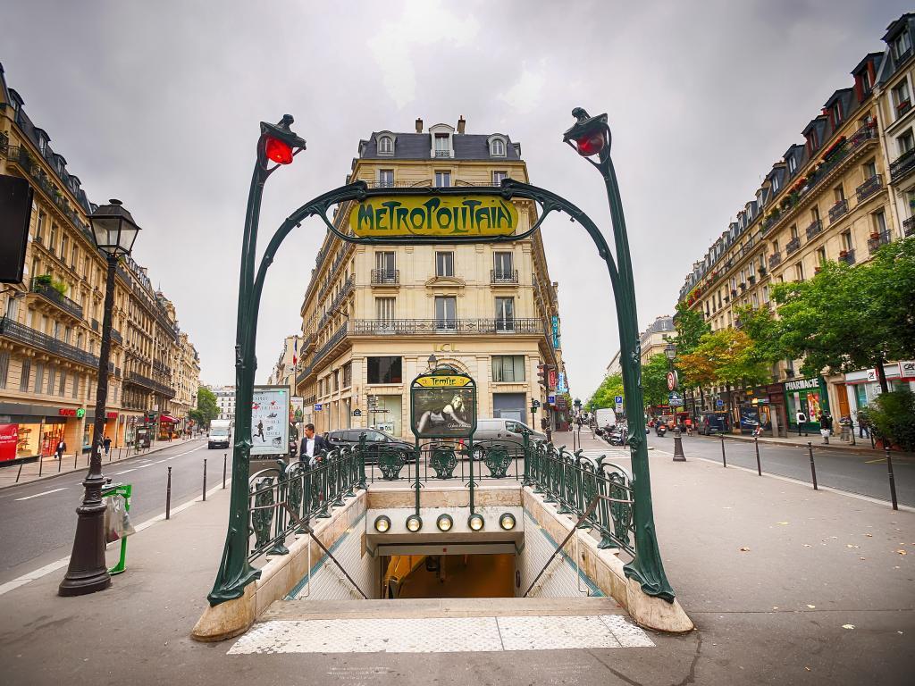Treppe zur Pariser Metro