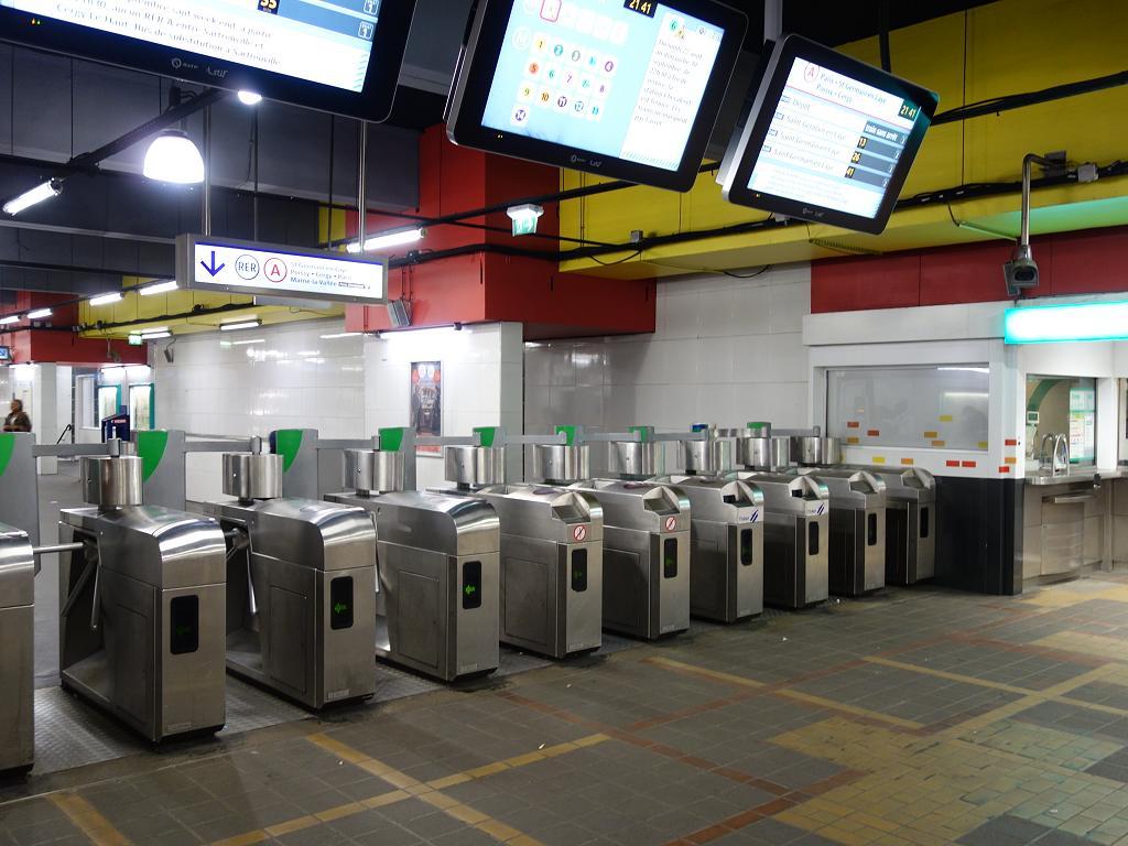 Zugang zur Metro Paris