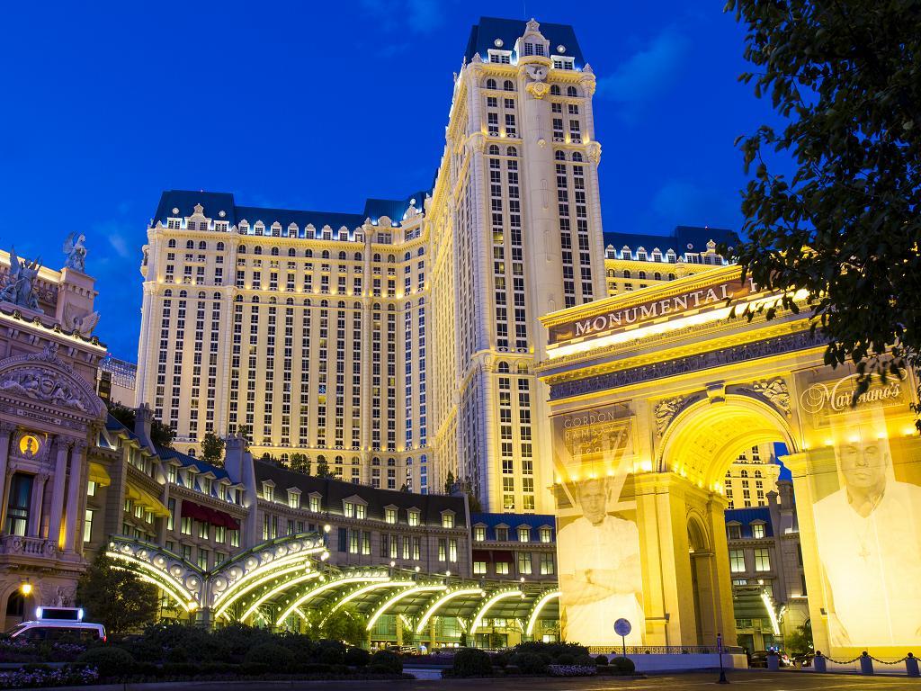 Der Eingang zum Paris Las Vegas