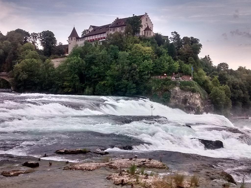 Blick zum Schloss Laufen