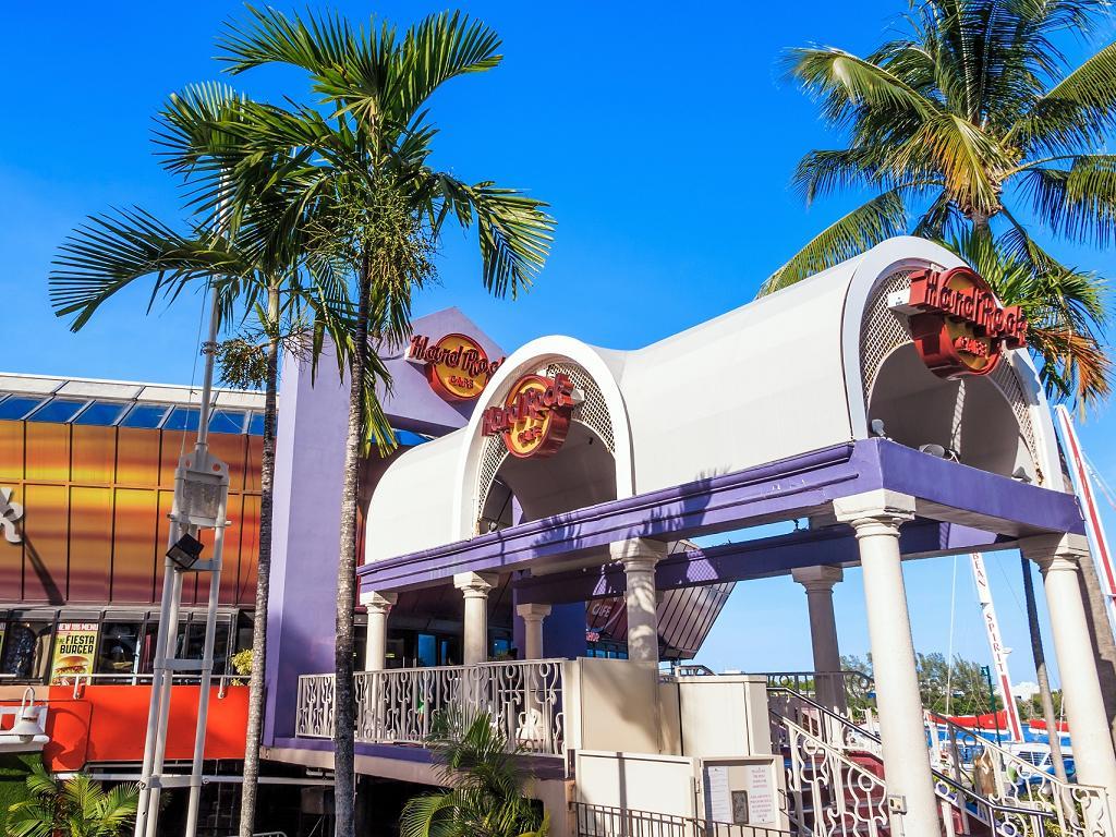 Der Eingang zum Hard Rock Cafe Miami