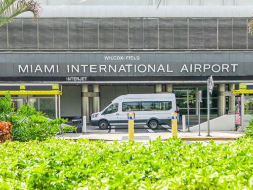 Ein Shuttle Bus am Flughafen Miami