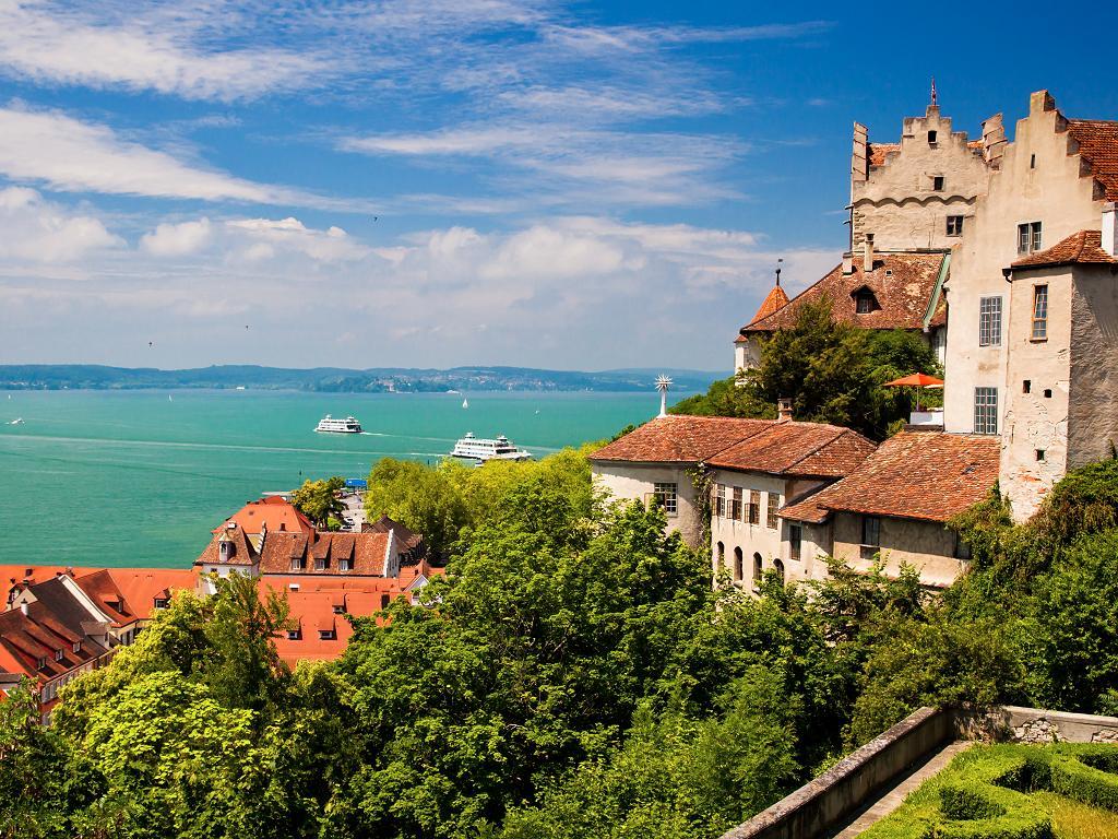 Schiffe und Burg Meersburg