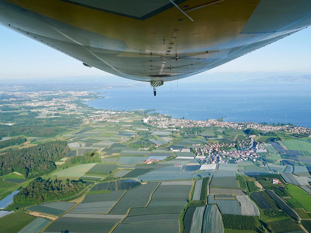 Blick auf den Bodensee vom Zeppelin aus