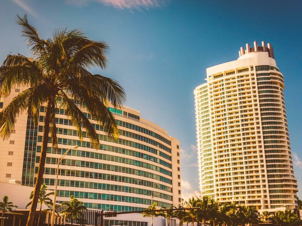 Die Vorderseite vom Fontainebleau Miami Beach