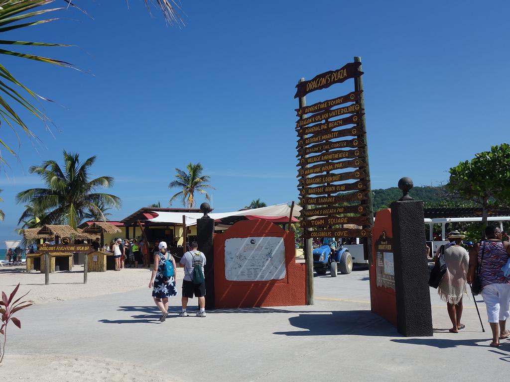 Touristen strömen auf die Insel