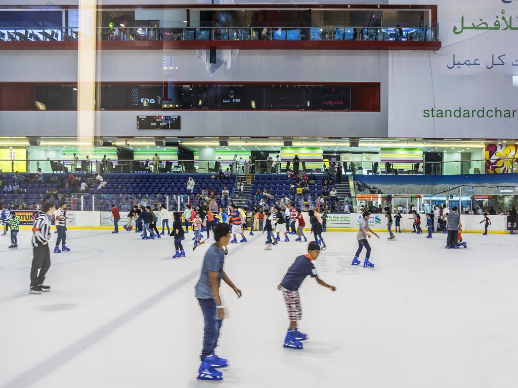 Besucher von Dubai Ice Rink