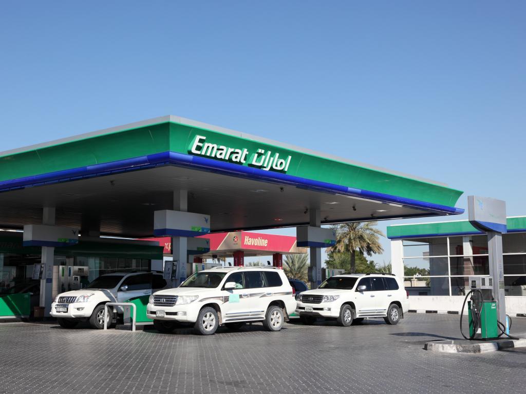 Eine Tankstelle in Dubai