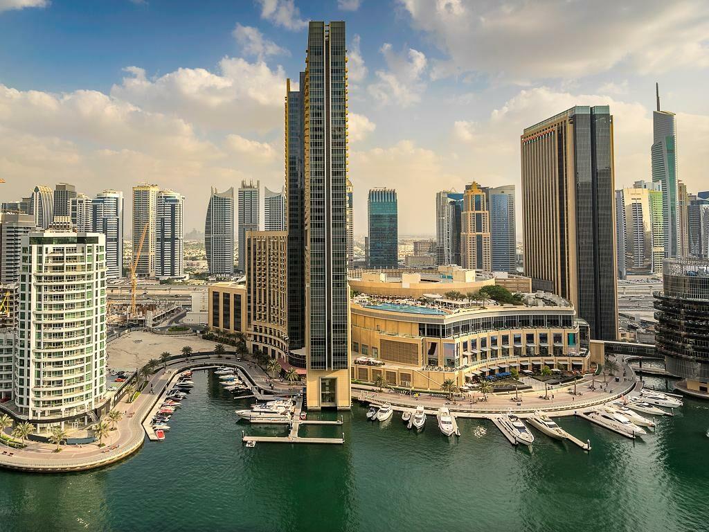 Panorama von der Dubai Marina Mall